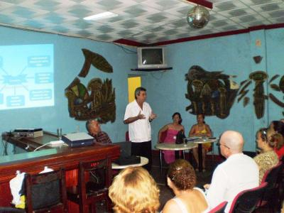 20121010213414-dr.-balseiro-conferencia.jpg