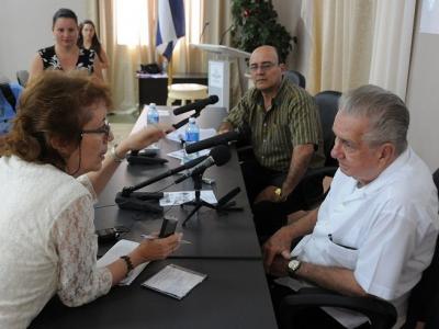 20150403012326-alvarez-cambras-congreso-blog.jpg