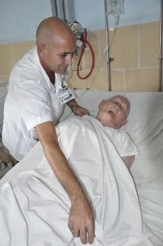 20160630223535-anciano-de-106-anos-operado-de-cadera-en-camaguey.jpg